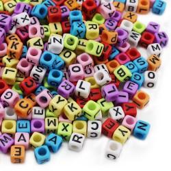perles acryliques multi couleurs lettre