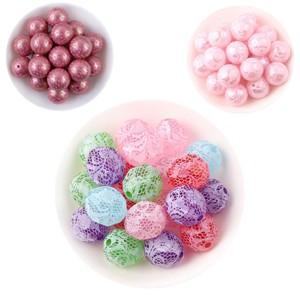 Perles acrylique à forme ou à motifs